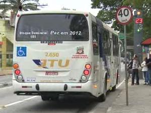 Tarifa do transporte coletivo fica 14,3% mais cara em Jacareí. (Foto: Reprodução/TV Vanguarda)
