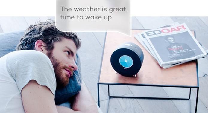 Sistema de reconhecimento de voz no relógio Bonjour permite fazer streaming de músicas e ver a previsão do tempo (Foto: Divulgação/Kickstarter)