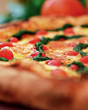 Pizza basílica (Foto: Rogério Voltan/Editora Globo)