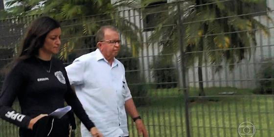 Um fiscal do Inmetro é preso  na operação Pesos e Medidas,no dia 17 (Foto: Reprodução)