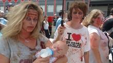 Zombie Walk reuniu 20 mil pessoas no centro de Curitiba (Divulgação/RPC)