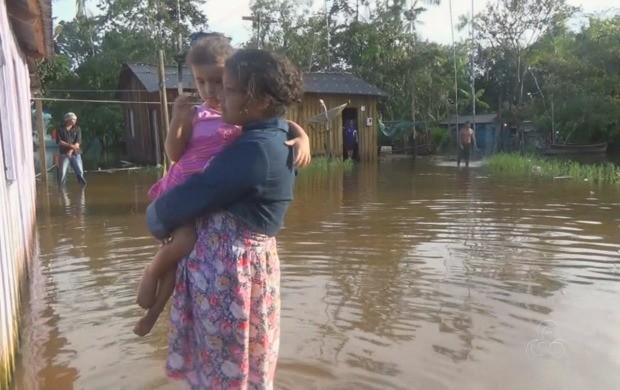 Cerca de 60 famílias ainda estão desalojadas em Oiapoque (Foto: Bom Dia Amazônia)