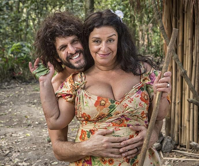 No spin-off, Tarzan e Teodora vivem uma paixão ardente em uma ilha deserta (Foto: Felipe Monteiro/Gshow)