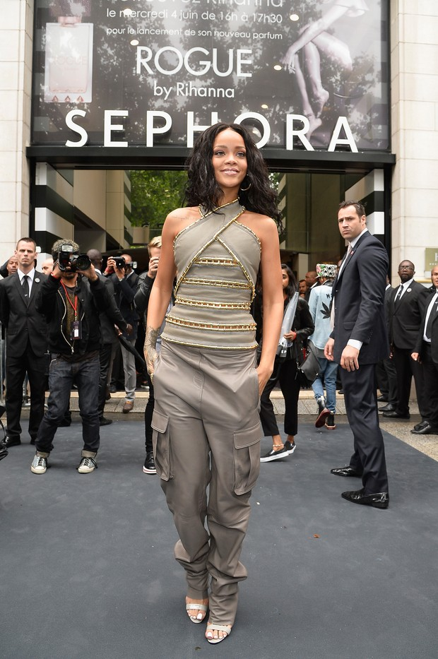 Rihanna em evento em Paris, na França (Foto: PLS DC Pool/ French Select/ Getty Images)
