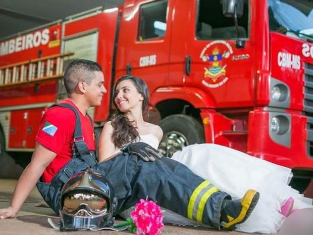 Casal foi fotografado em pelotão de Dourados, MS (Foto: Eder Gonçalves / Ego Fotografias)