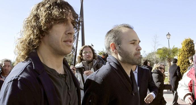 Puyol e Iniesta chegada velório Luis Aragonés (Foto: EFE)