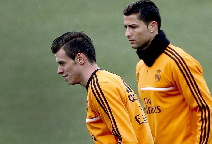 Cristiano Ronaldo e Bale no treino do Real Madrid (Foto: EFE)