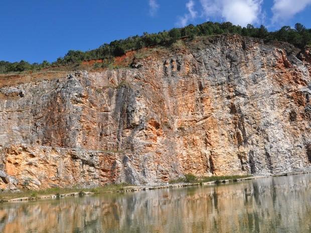 Lago Azul é um dos atrativos mais visitados na cidade  (Foto: Marcos S. Neto)