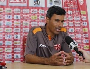 Adriano Oliveira, preparador físico do CRB (Foto: Caio Lorena / GloboEsporte.com)