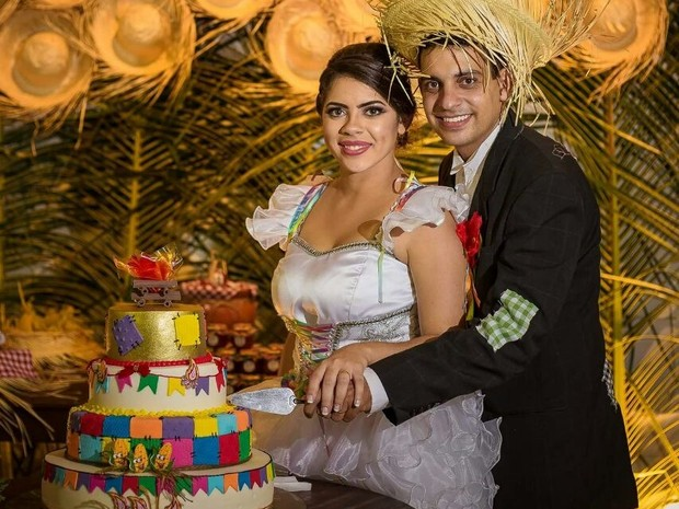 Amanda e Everthon começaram a organizar o casamento em 2015 (Foto: Vivianne Bouvier/Divulgação)