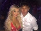 Ring girl tieta Neymar no UFC 189 em Las Vegas, nos Estados Unidos