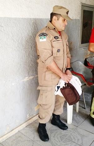 Punido administrativamente, o soldado do Corpo de Bombeiros do RN Dalchem Viana do Nascimento Ferreira foi preso na manhã desta quarta-feira, em Natal  (Foto: G1/RN)