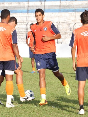 Rodrigão (centro) - atacante do Sub-20 do Remo (Foto: Everaldo Nascimento/O Liberal)