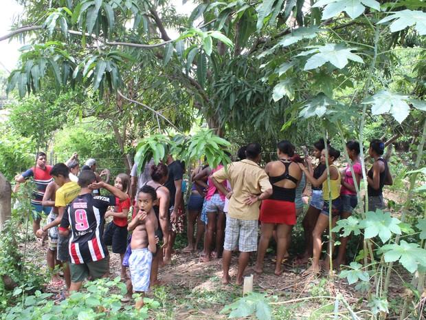 População ficou chocada com o que aconteceu (Foto: Ellyo Teixeira/G1)