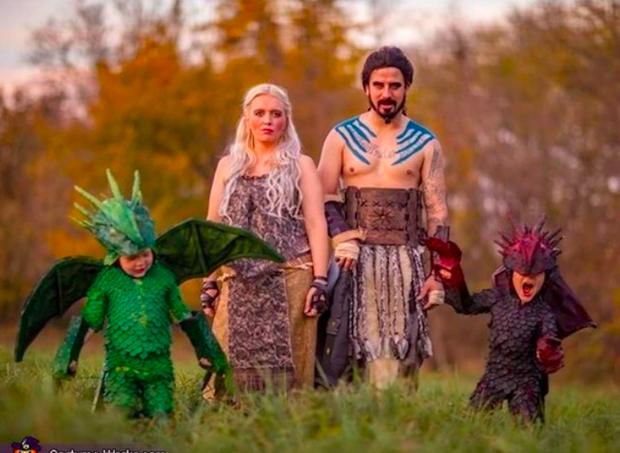 Família se fantasia como personagens de Game of Thrones  (Foto: Reprodução )
