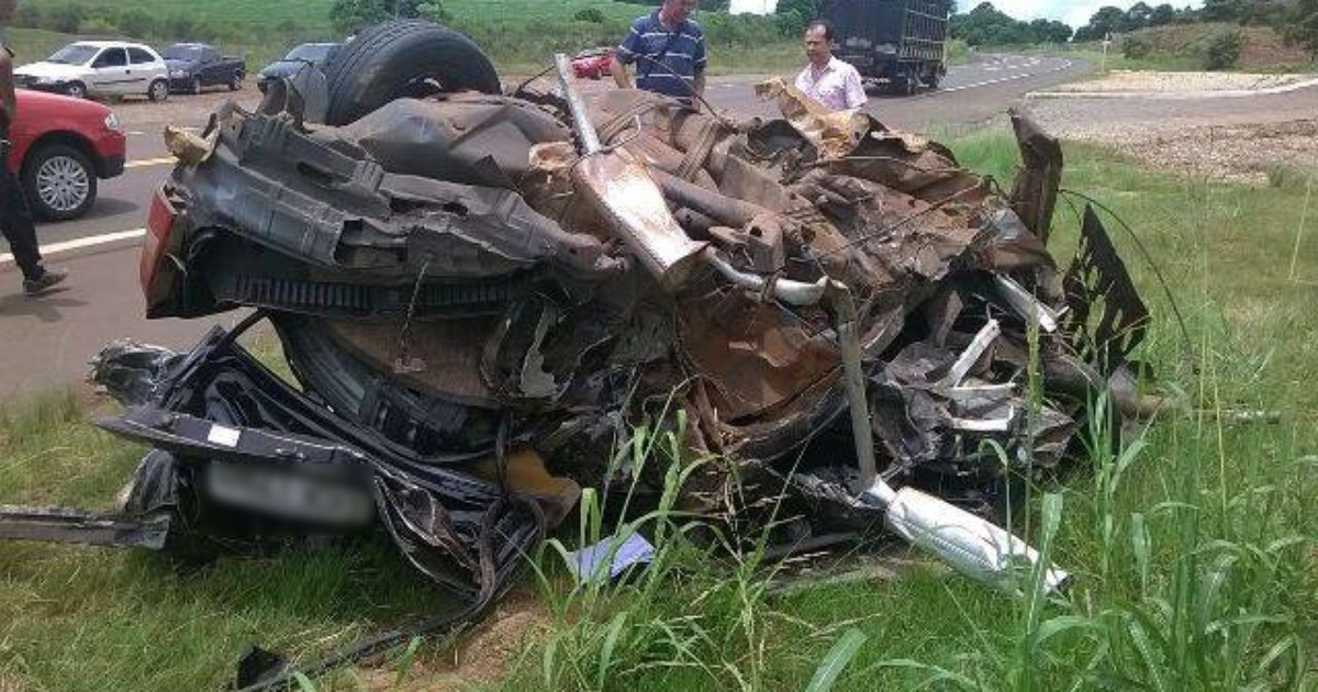 Acidente com caminhão e dois carros causa uma morte no Norte do ... - Globo.com