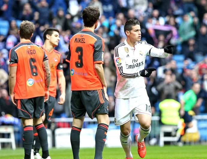James Rodriguez comemora gol do Real Madrid contra o Real Sociedad (Foto: Agência EFE)