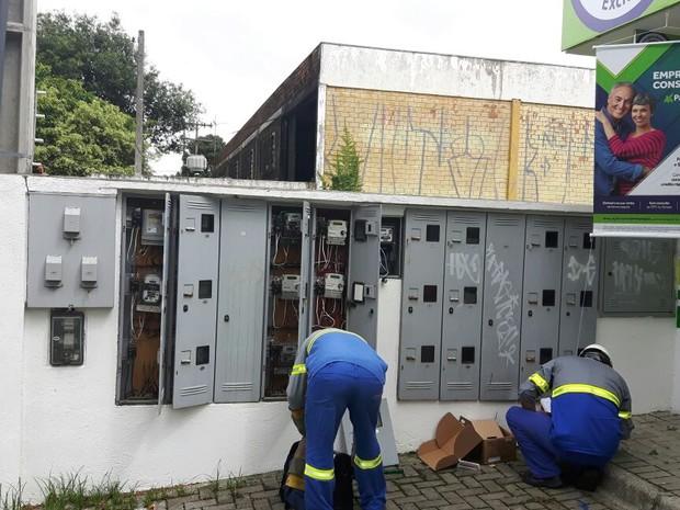 Seis empresas foram autuadas por furto de energia em Curitiba e dois municípios da Região Metropolitana (Foto: Divulgação / Polícia Civil)