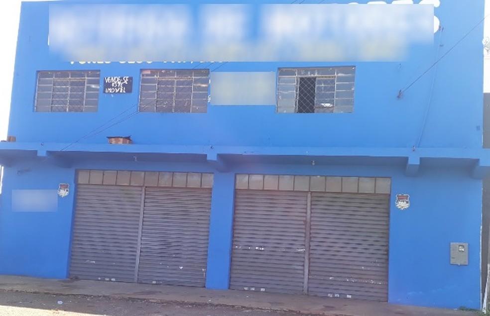 Segundo a polícia, criança foi morta pelo padrasto no 2º andar de oficina (Foto: Sílvio Túlio/G1)