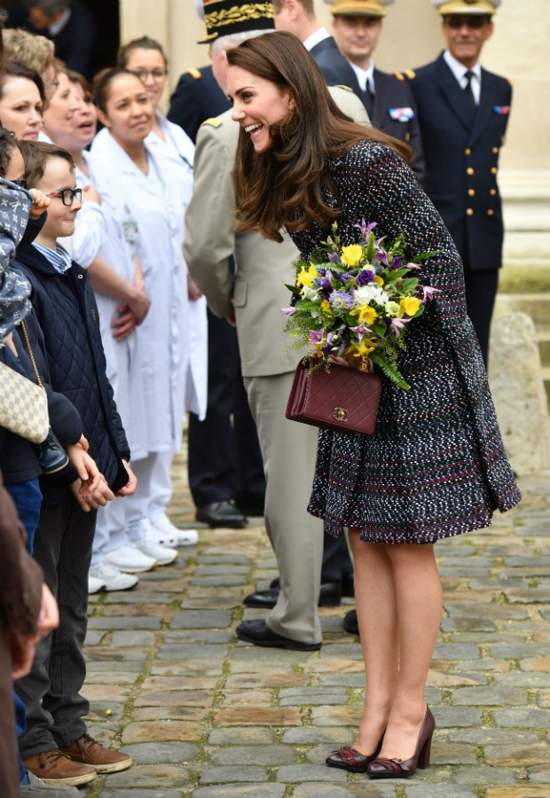Kate Middleton em look Chanel que saiu por quase 13 mil libras (Foto: Getty)