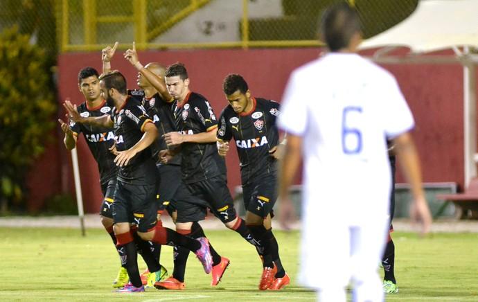 gol do Vitória x Confiança (Foto: Romildo de Jesus / Ag. Estado)