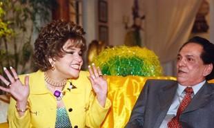 A primeira temporada do 'Zorra Total', que foi ao ar em 1999, será exibida pelo Viva. Ofélia (Claudia Rodrigues) e Fernandinho (Lúcio Mauro) estrelavam um quadro | Divulgação