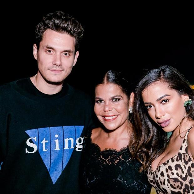 John Mayer, Daniela Falcão e Anitta (Foto: Bruno Ryfer)