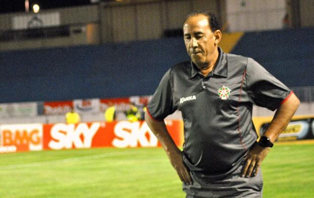 Arbitragem nos jogos do Boa Esporte não tem agradado o técnico Nedo Xavier (Foto: Lucas Magalhães / EPTV)