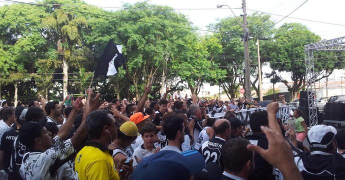 Torcida Ponte Preta (Foto: Marcos Ribolli)