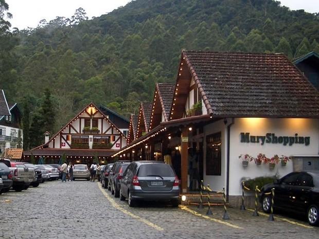 2267130bf O Shopping Mury reúne lojas e gastronomia de qualdiade (Foto  Divulgação)