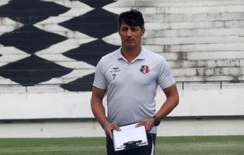 No Santa, Adriano Teixeira não faz previsões para se tornar técnico