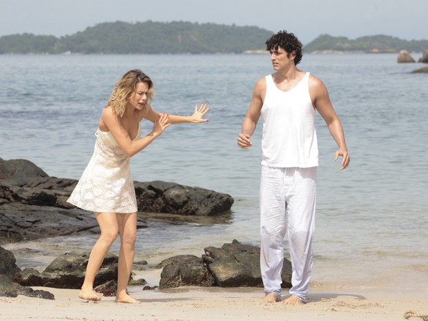 Nando tem certeza que Analú está envolvida no sequestro dele e de Juliana (Foto: Guerra dos Sexos/TV Globo)