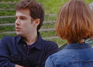 Maurício discute com a namorada (Foto: Sangue Bom / TV Globo)