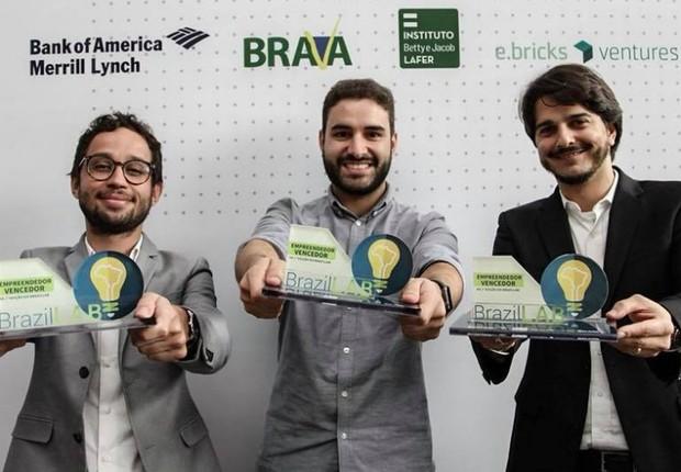 Vencedores do DemoDay da BrazilLAB: Rafael Zenorini (Refinaria de Dados), Rafael Vivolo (MGov) e Gabriel Senra (Linte) (Foto: Divulgação )