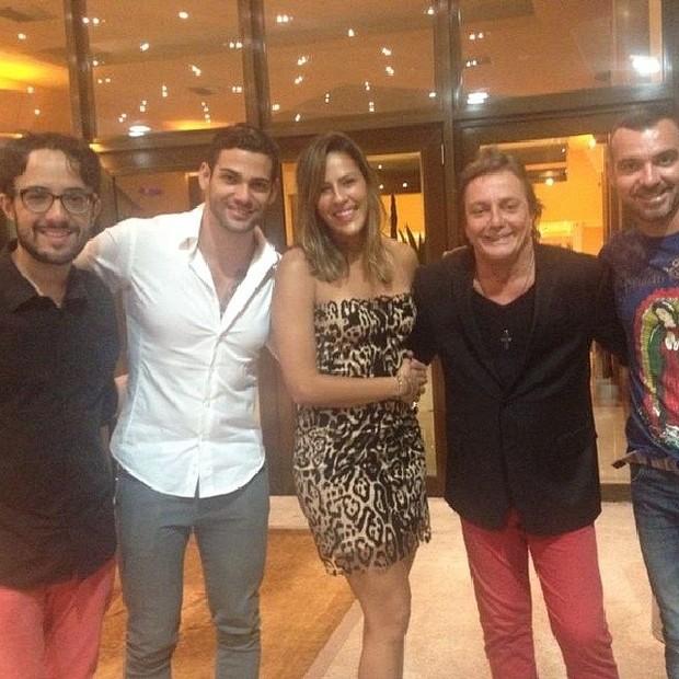 Ex-participantes do 'BBB 14' Alisson, Rodrigo, Princy e Vagner com Fábio Jr. em hotel no Rio (Foto: Instagram/ Reprodução)