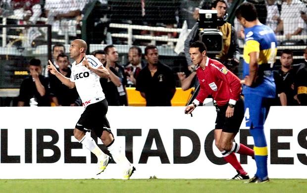 Emerson comemora gol do Corinthians contra o Boca Juniors final  (Foto: AFP)