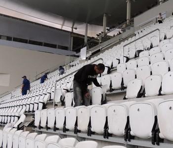 cadeiras arena corinthians treino uruguai copa do mundo (Foto: Lucas Rizzatti/GloboEsporte.com)