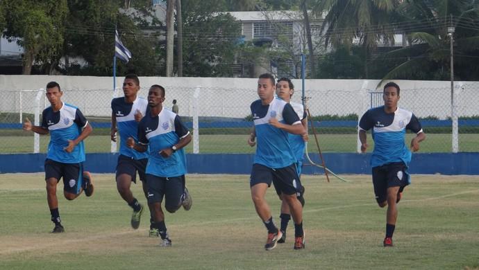 CSA treino Damião (Foto: Leonardo Freire/GloboEsporte.com)