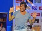 'Não estou namorando', avisa Roberto Carlos em coletiva