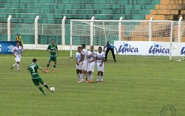 Cuiabá x Cacerense Campeonato Mato-grossense 2013 (Foto: Reprodução/TVCA)