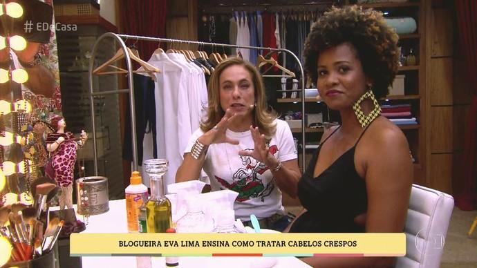 A blogueira conta como fazer para umectar cabelos crespos (Foto: TV Globo)
