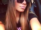 Irmã de Neymar faz biquinho para foto
