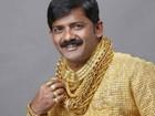 """O triste fim do """"homem da camisa de ouro"""" na Índia"""