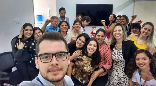 Na TV Clube, Flávia comanda uma equipe de 18 pessoas que envolve os setores de marketing, opec e vendas (Foto: Arquivo Pessoal)