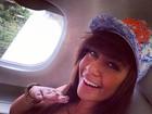 Em avião, irmã de Neymar manda recado para Marquezine: 'Chegando'