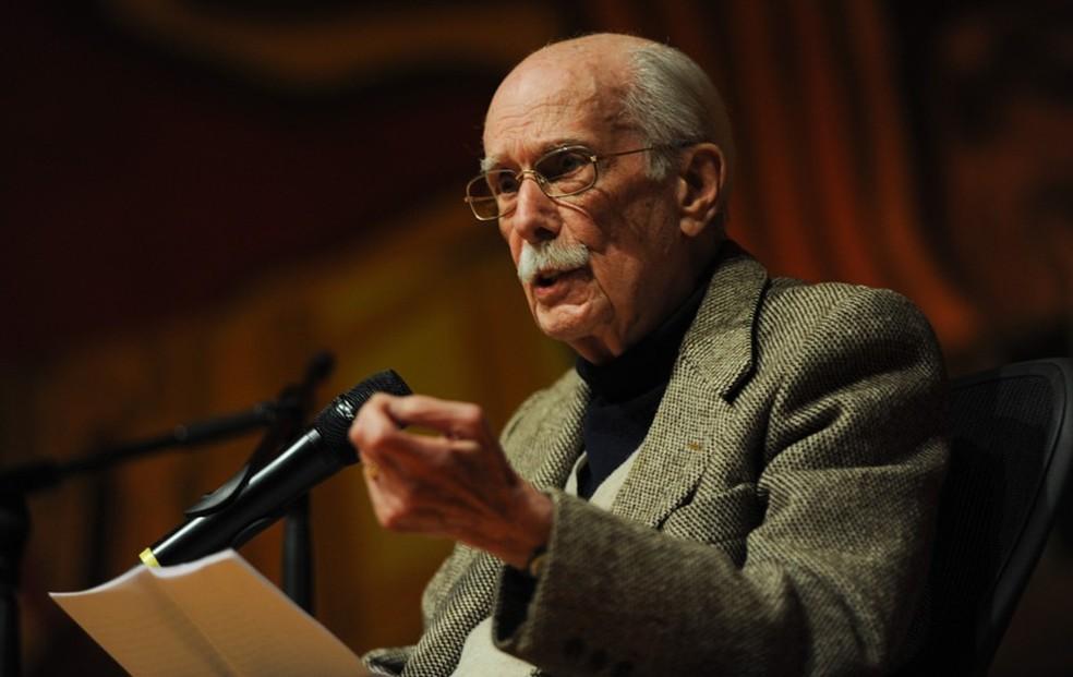 Antonio Candido morre em São Paulo aos 98 anos