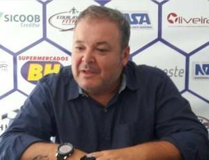 Luís Henrique Arantes técnico do Formiga (Foto: Formiga/Divulgação)
