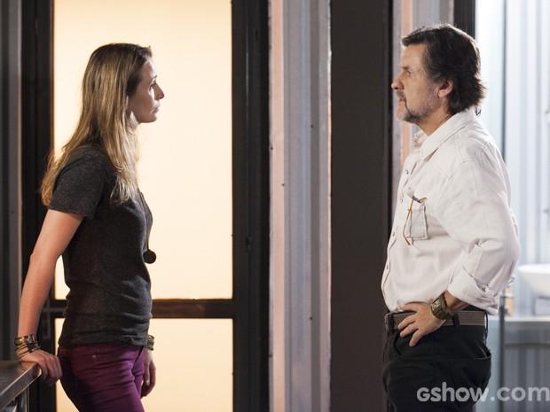 Angelique está doida para se livrar de Lili  (Foto: Inácio Moraes/TV Globo)