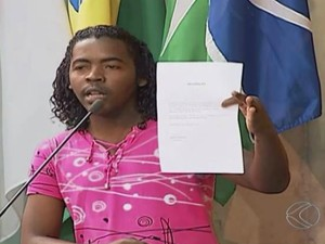 Chokito disse que na maioria das vezes o CPF e o endereço dele foram usados indevidamente (Foto: Reprodução/TV Integração)