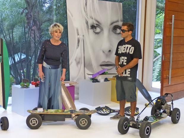 Ana Maria conhece novas modalidades de skate na casa de cristal (Foto: Mais Você / TV Globo)